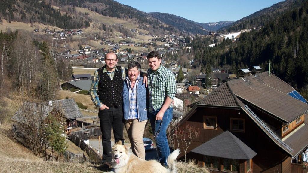 Bauernfamilie-vulgo-Huebelbauer-Bad-Kleinkirchheim-Nockberge