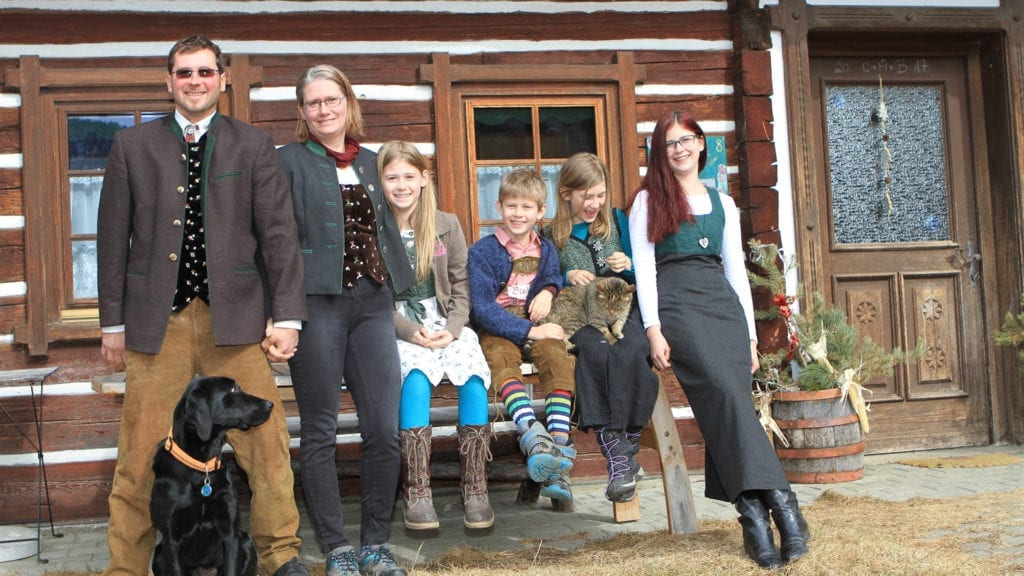 Bauernfamilie-vulgo-Kraut-Bauernhaus