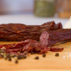 Hartwurst-ohne-Poekelsalz-Nockfleisch-Bauernprodukt-verpackt-2
